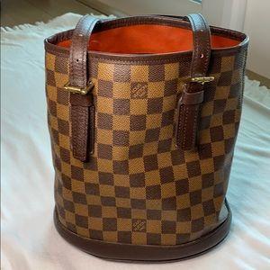 Louis Vuitton Damier Ebene Marais Bucket Bag